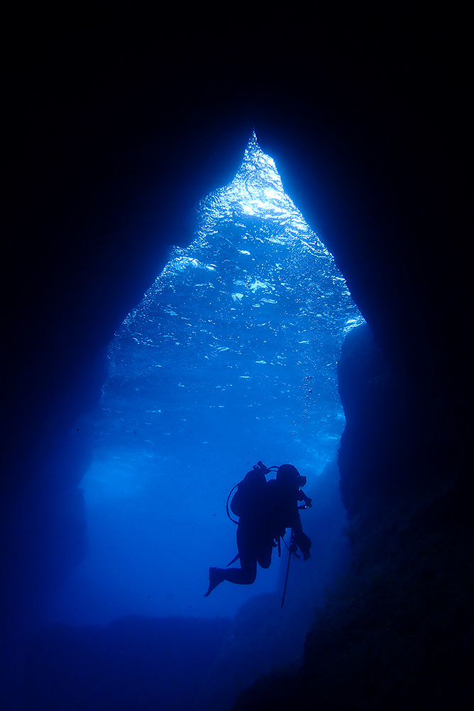 「青の洞窟」調査
